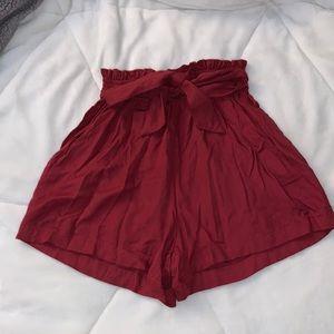 HOLLISTER Ultra high rise paper bag shorts